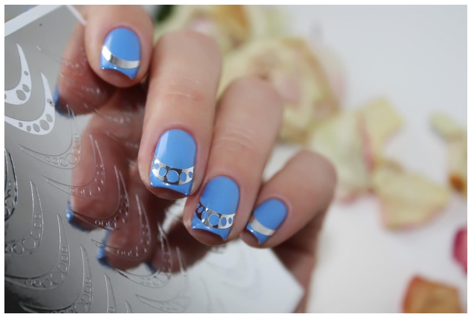 Дизайн ногтей с металлическими наклейками фото