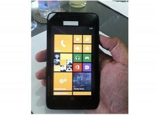 Sosok Nokia Lumia 625 Mencuat