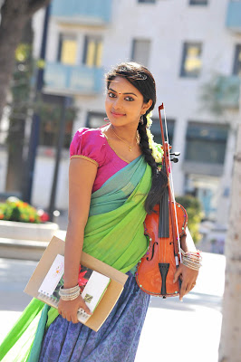 Amala Paul hot in iddarammayilatho 009 Actress Amala Paul Latest Beautiful Photos