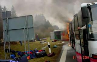 fogo, ônibus, incêndio, extintor, combate