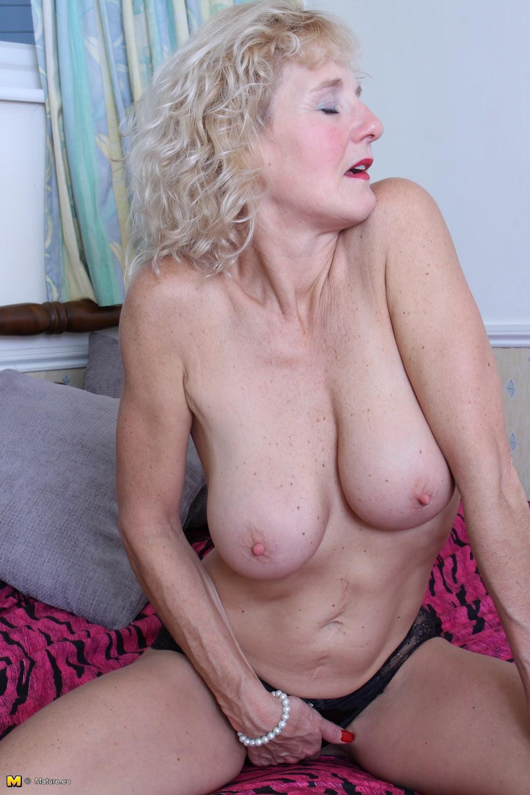Archiveofoldwomen hot nude photos
