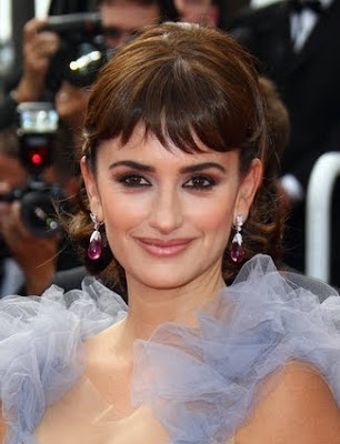 Penelope Cruz Updos Hairstyle with short bangs