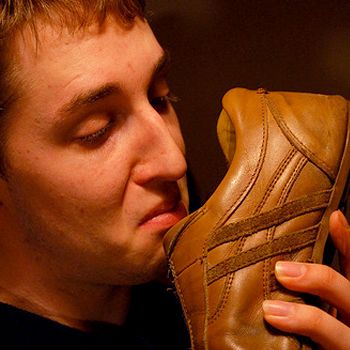 How To Keep Leather Shoes From Stinking
