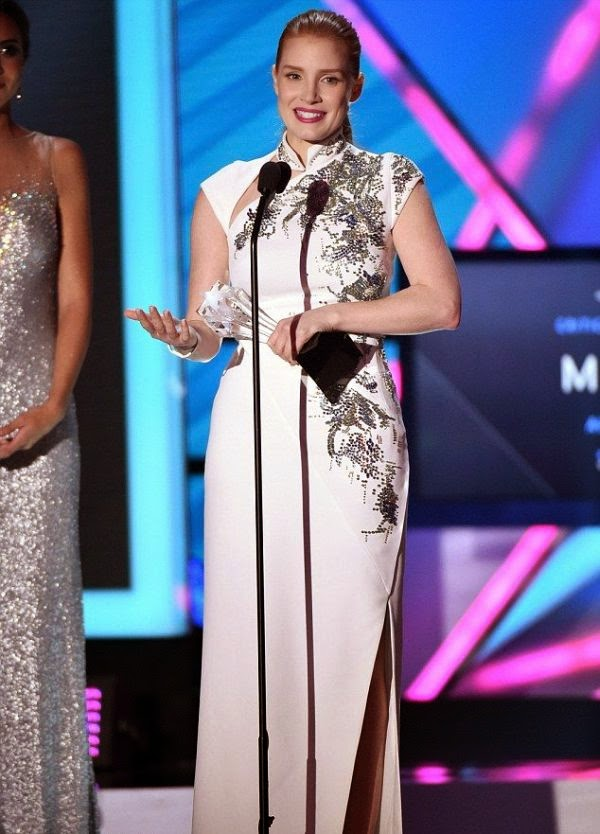 Oh my! Jessica Chastain certainly know about how to sharing her amazing point for the Glittering event.  And it seems she was the only woman who had that idea as the 37-year-old headed by elegant to the 20th Annual Critics Choice Movie Awards on Thursday, January 15, 2015.