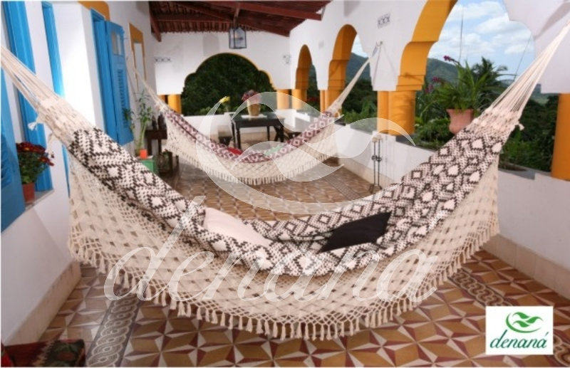 brazilian handwoven 100  cotton fabric hammocks l o n  international trader  brazilian handwoven 100  cotton      rh   loninternational