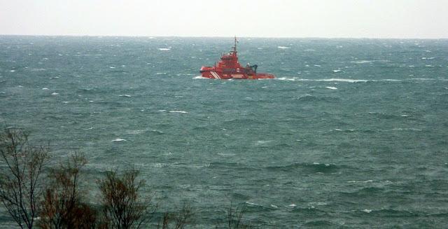 barco salvamento maritimo bilbao 01