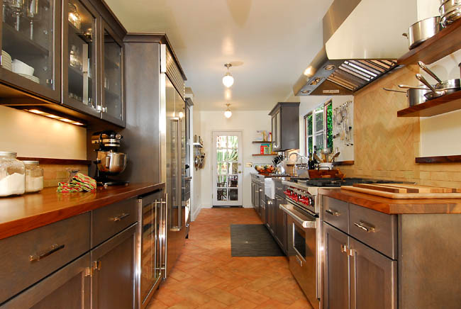 Colonial Kitchen Designs