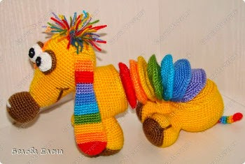 Free Amigurumi Dachshund Pattern : Free amigurumi patterns rainbow dachshund crochet pattern