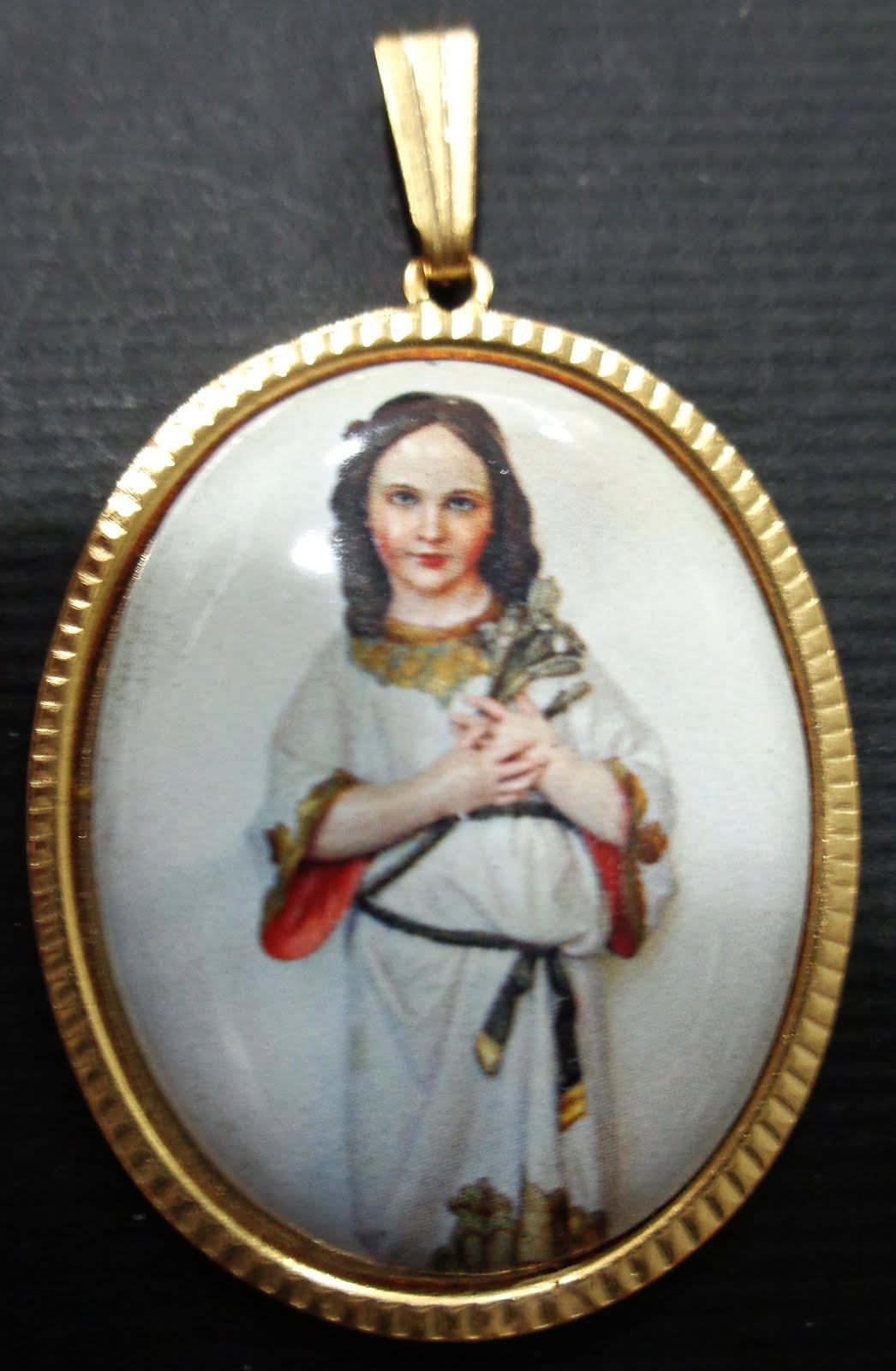 Medalla esmaltada Virgen Niña chapado de calidad