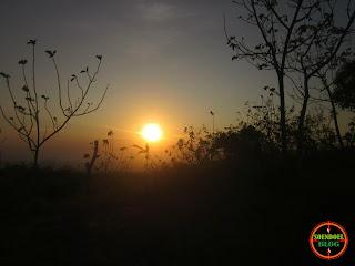 Panorama indah di saat matahari mulai pulang keperaduannya di balik Gunung Lawu terlihan indah dari Gunung Bancak Magetan.