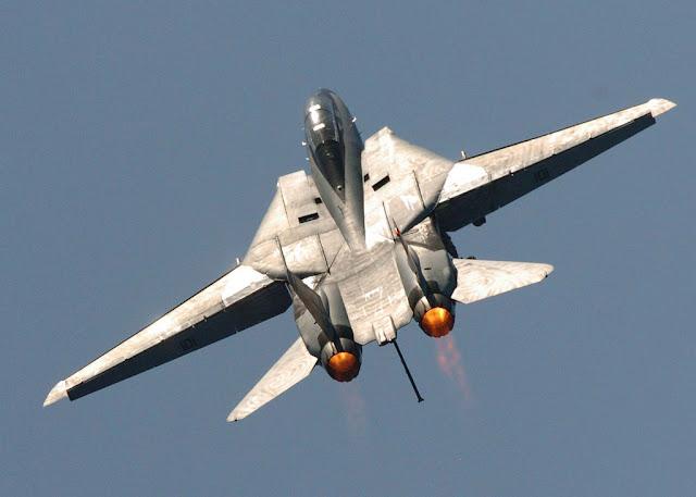 F-14 tomcat afterburner soaring