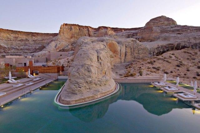 piscina en desierto 1