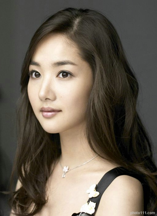 park min young flawless skin 01