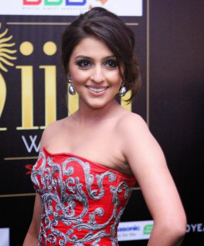 aarti chabria latest off shoulder photos