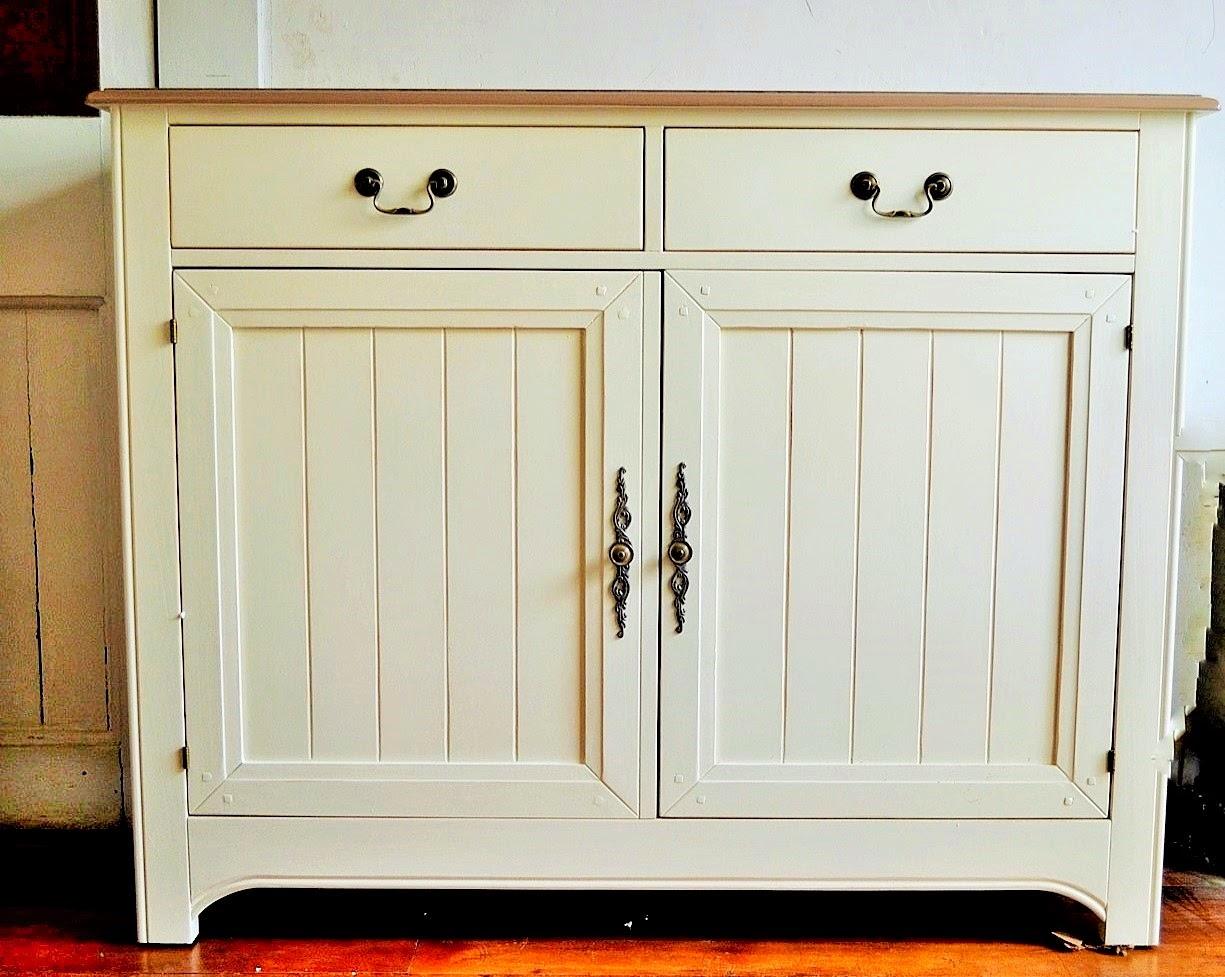 Paz montealegre decoraci n nueva linea de muebles provenzal - Mueble blanco pared ...