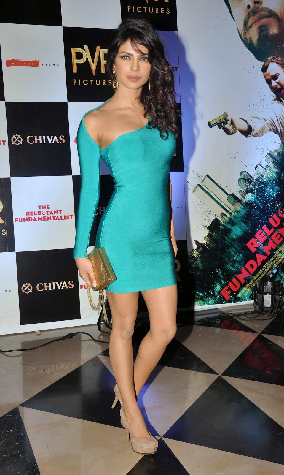 priyanka-chopra-posing-in-sexy-blue-dress
