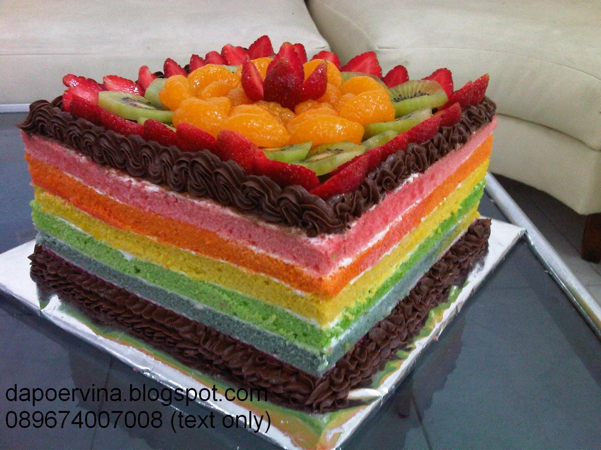 Rainbow Cake pesanan Ellen, pesananya sih udah dari bulan kemarin tapi