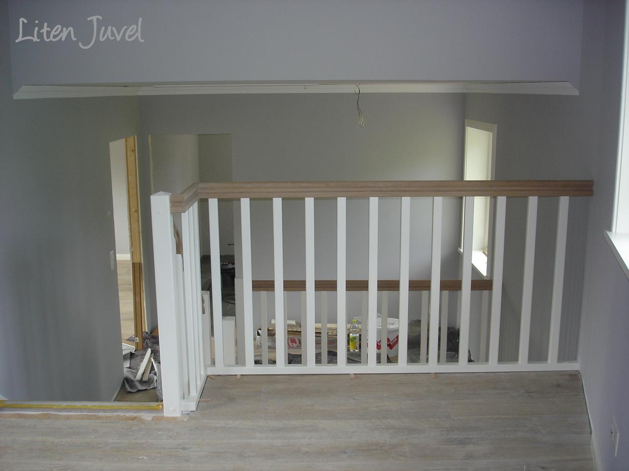 Schwedenhaus innen treppe  Liten Juvel: Die Treppe