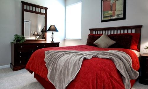D coration des petites chambres coucher d cor de maison d coration chambre for Immense miroir