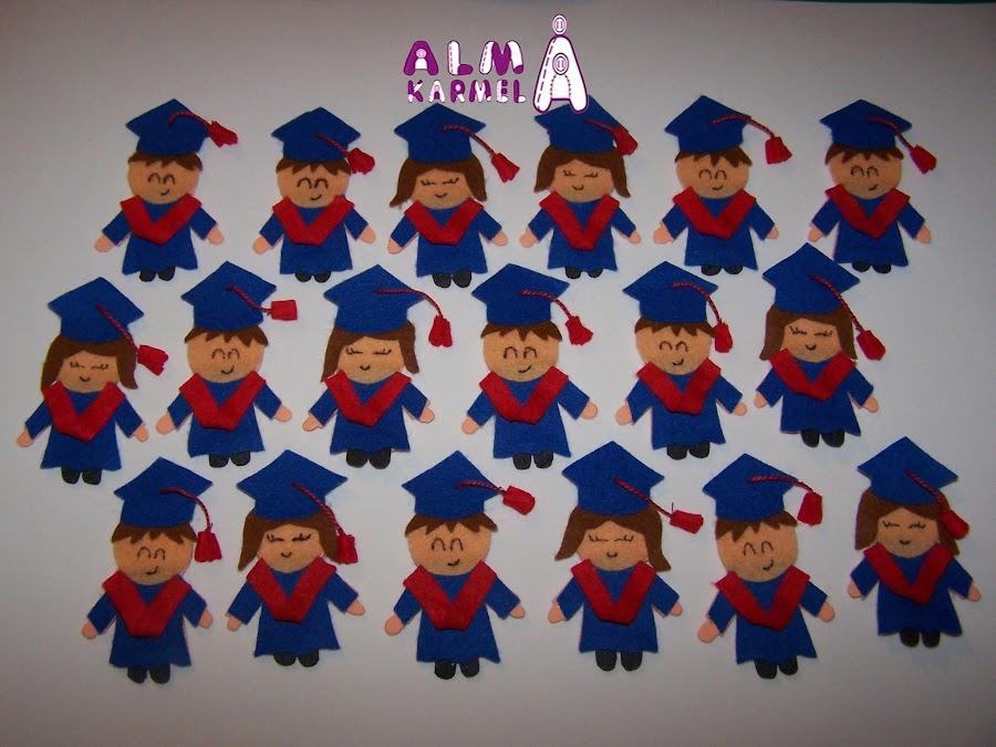 Cajita regalo + Tarjeta con forma de birrete para graduación.