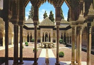 شاهد صور تعبر عن فخامة ورقى البناء فى قصر الحمراء