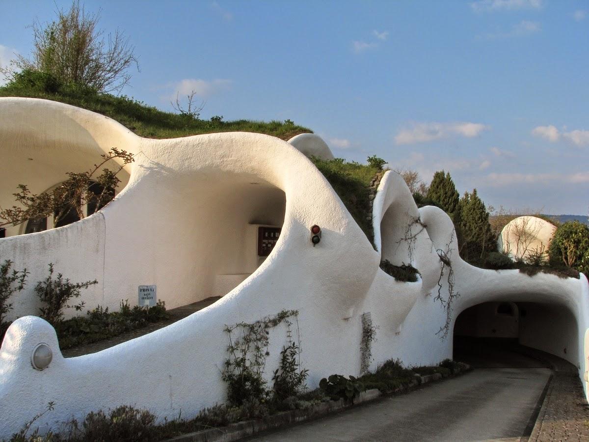 04-Peter-Vetsch-Vetsch-Architektur-Architectural-Earth-House-www-designstack-co