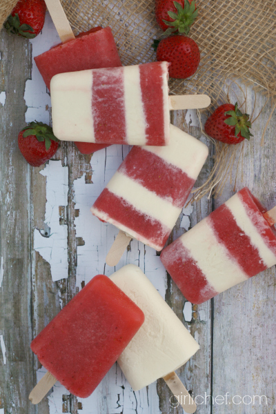 Strawberry Pink Moscato Ice Pops #SundaySupper by @girlichef