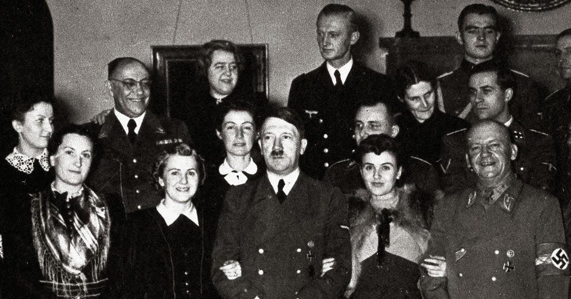 Citaten Hitler Sebenarnya : Nazi jerman foto adolf hitler di tahun