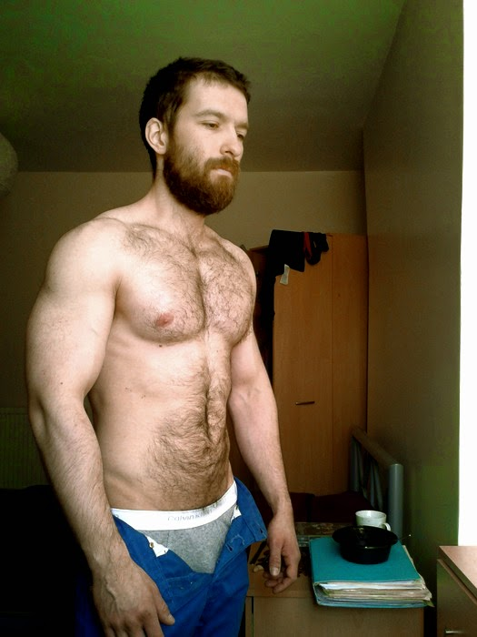 Young Hairy Men: Sexy Bearded Men