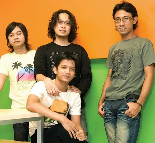Chord Gitar Kerispatih Demi Cinta G: INDOREA (Indonesia-Korea): Desember 2011