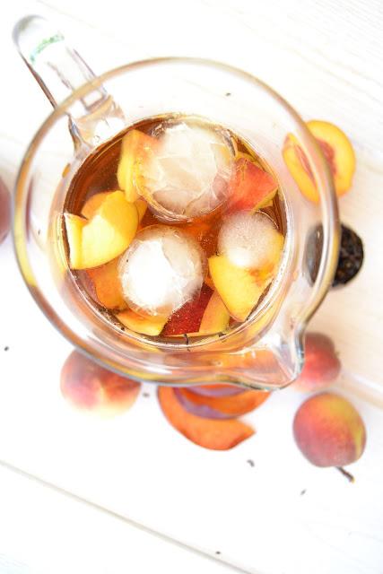 recette pour un thé glacé maison à la pêche