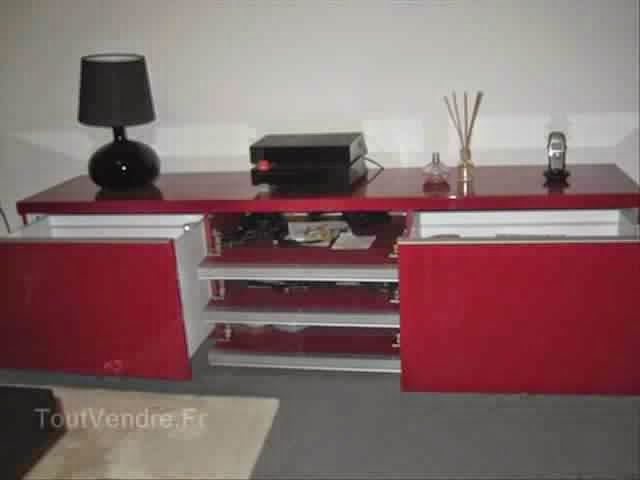 meuble tv rouge solutions pour la d coration int rieure. Black Bedroom Furniture Sets. Home Design Ideas
