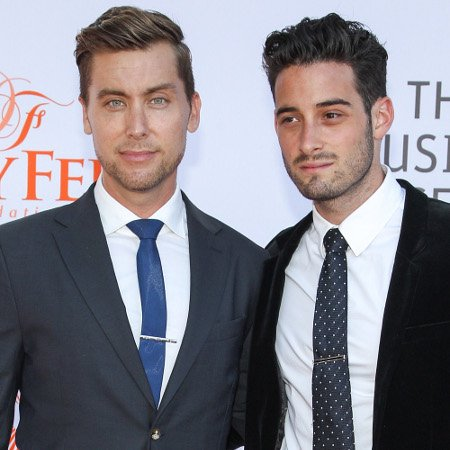 Pasangan gay bekas anggota N Sync Lance dan Micheal bakal kawin