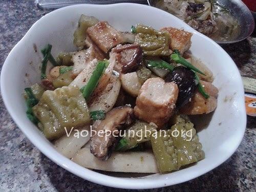 Cách làm đậu phụ kho củ cải, khổ qua (mướp đắng)