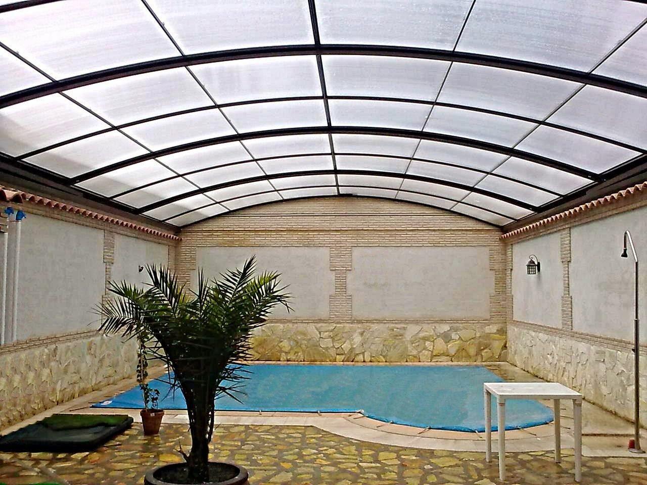 Policarbonato del techo o cubierta de la piscina - Techos moviles para patios ...