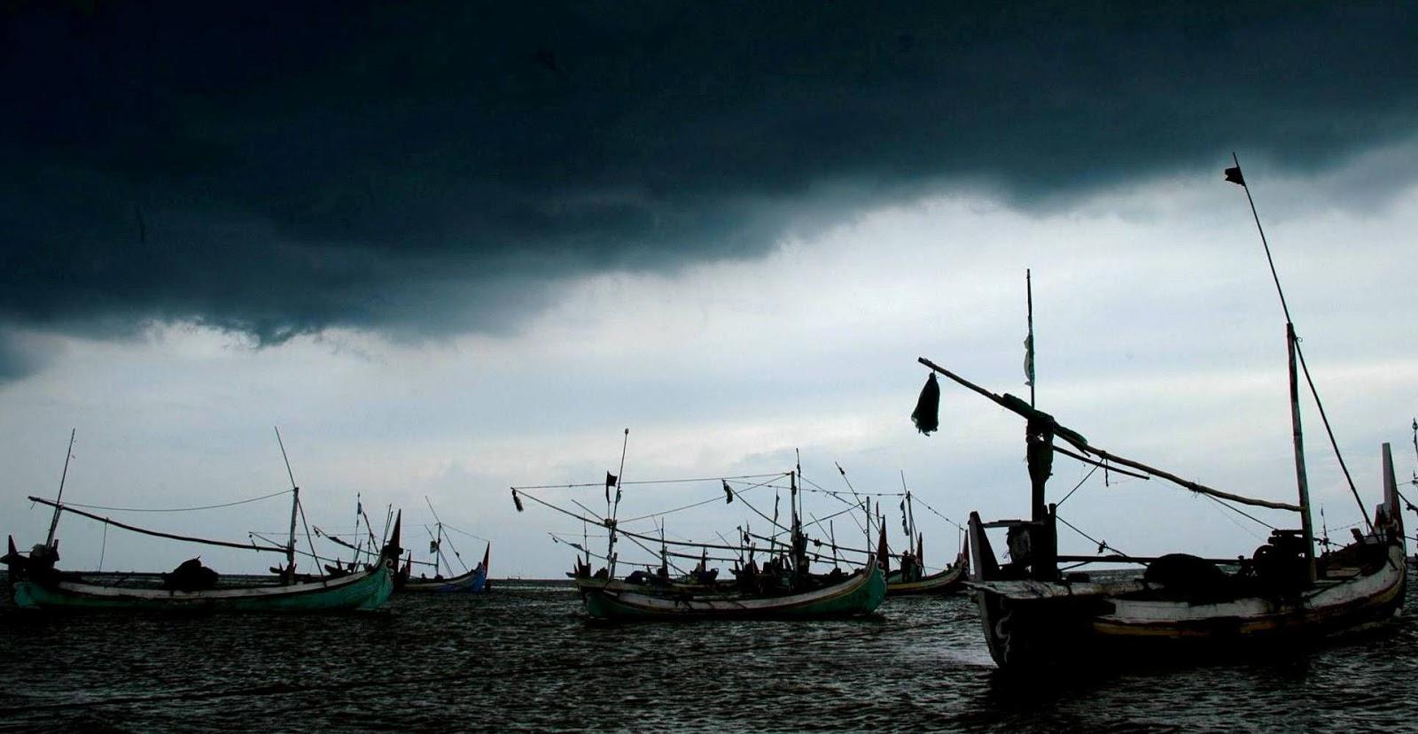 BMKG Memperkirakan Cuaca Buruk Sampai Februari 2013