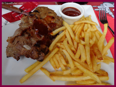 Hippopotamus Grill Restaurant (Paris) Ribs and Fries