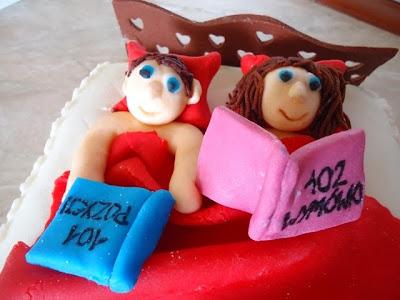 Tort z masą cukrową na rocznicę ślubu