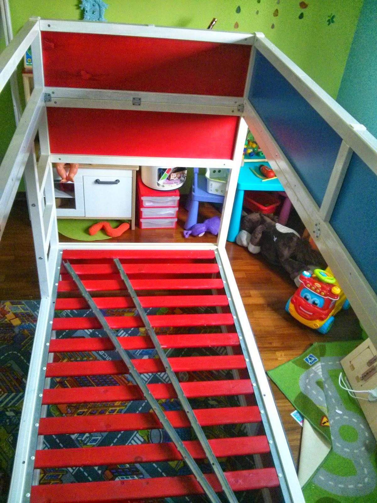 La Casin@ di Ale: dormire in un camion dei pompieri? ma certo, con un letto IKEA Kura e un po ...