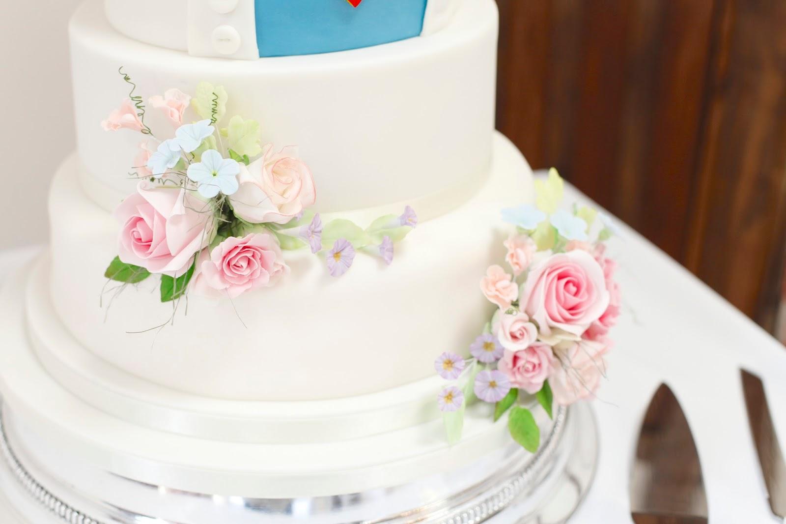Kasserina: Pastels and superheroes wedding cake - August 2015