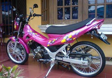 variasi satria f pink