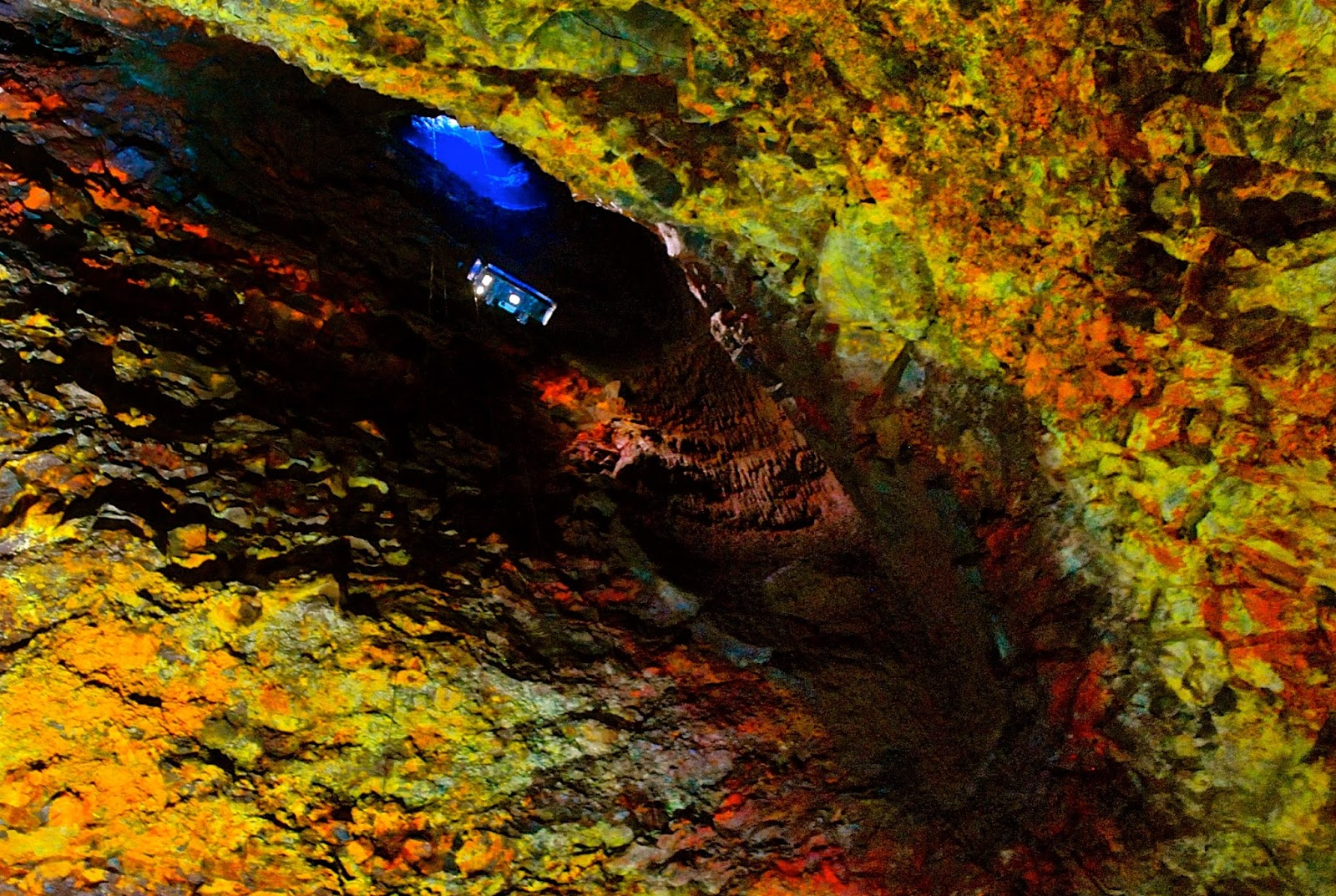 Exploring the magma chamber of Thrihnukagigur volcano, Iceland