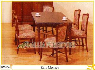 Kursi dan Meja Makan Ukiran Kayu Jati Ratu Monaco