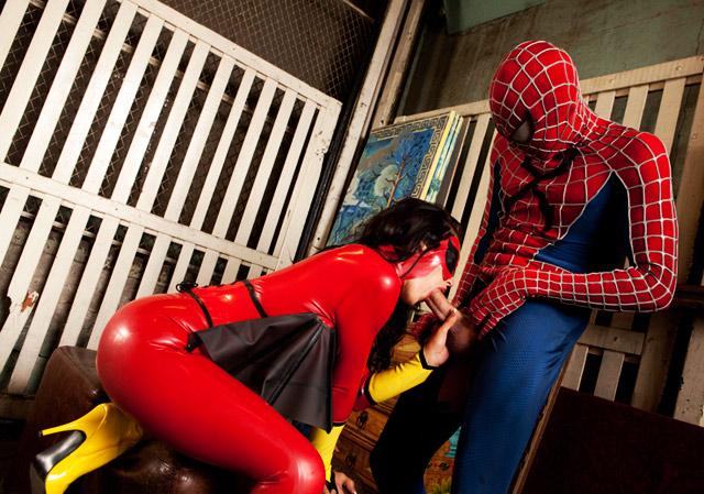 FotosNua.Com homem aranha fudendo a buceta da vadia