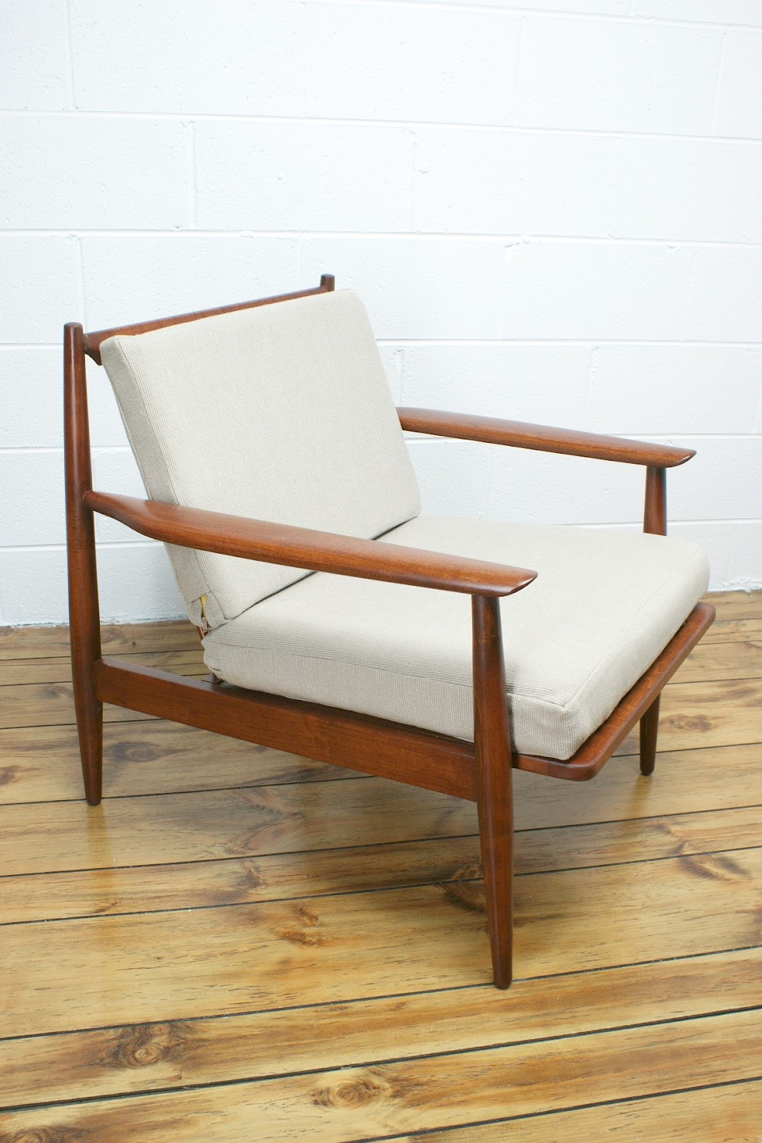 For the home wares decor furniture the vintedge co for Modern lounge furniture