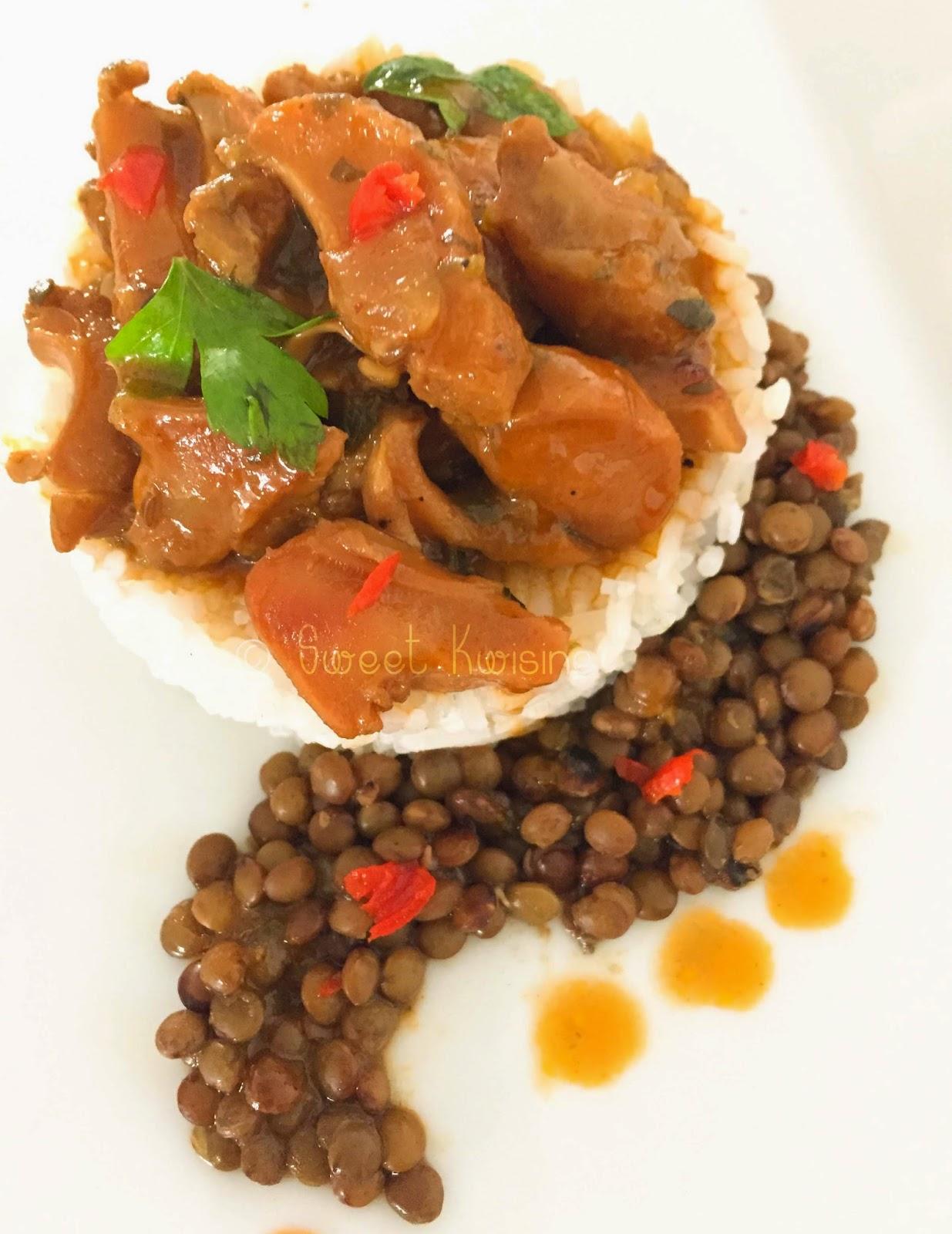 sweet kwisine, lambis, martinique, cuisine antillaise, coquillage, mollusque, cuisine antillaise, piment oignon-pays, persil, riz, haricots rouges, lentilles, conch meat