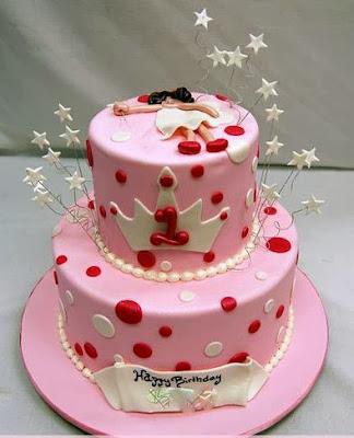 Tarta rosa con estrellas