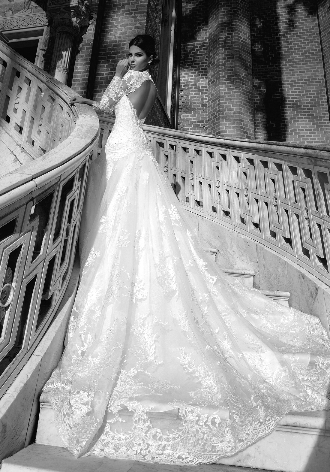 Wedding Gowns with Long Trains, Beaded Long Train Wedding Gown, Wedding Gowns with Trains, Ball Gowns with Long Trains, Extra Long Train Wedding Gowns, Long Sleeve Bridal Dress, Long Train Wedding Dresses Design