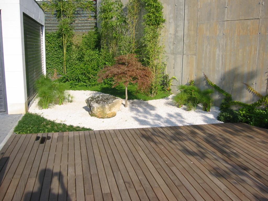 Jardinitis jard n moderno for Diseno de jardin moderno