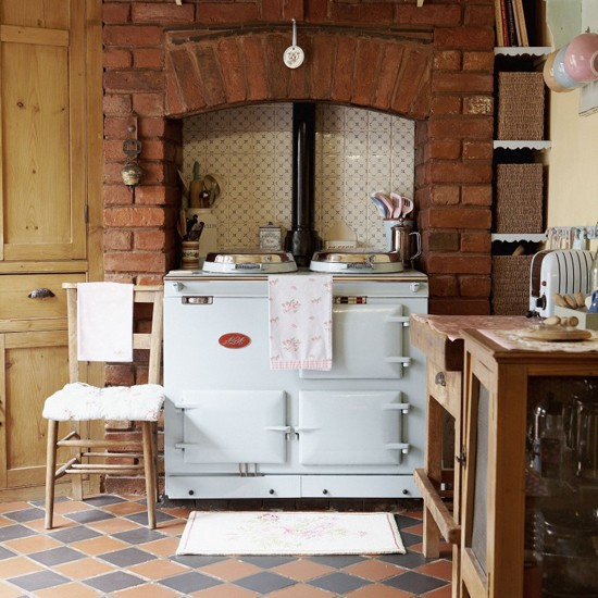 Ciao domenica english country kitchens for Country kitchen floor ideas